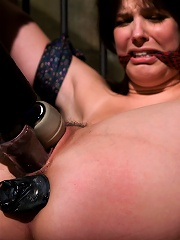 Bobbi Starr starts off the New Year screaming in orgasm